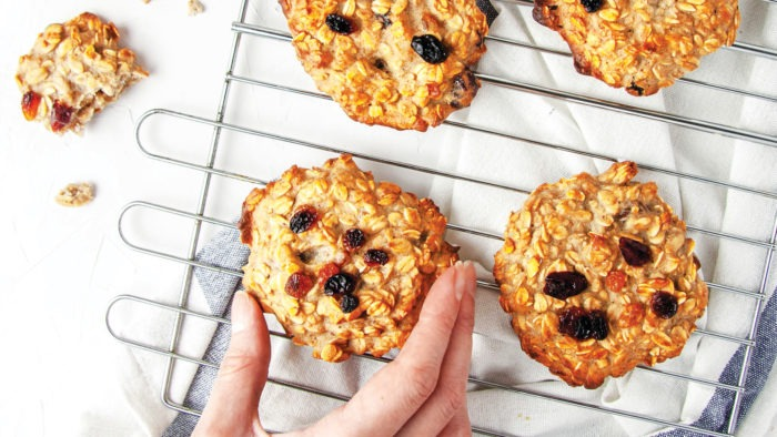 oat cookies with rhisines